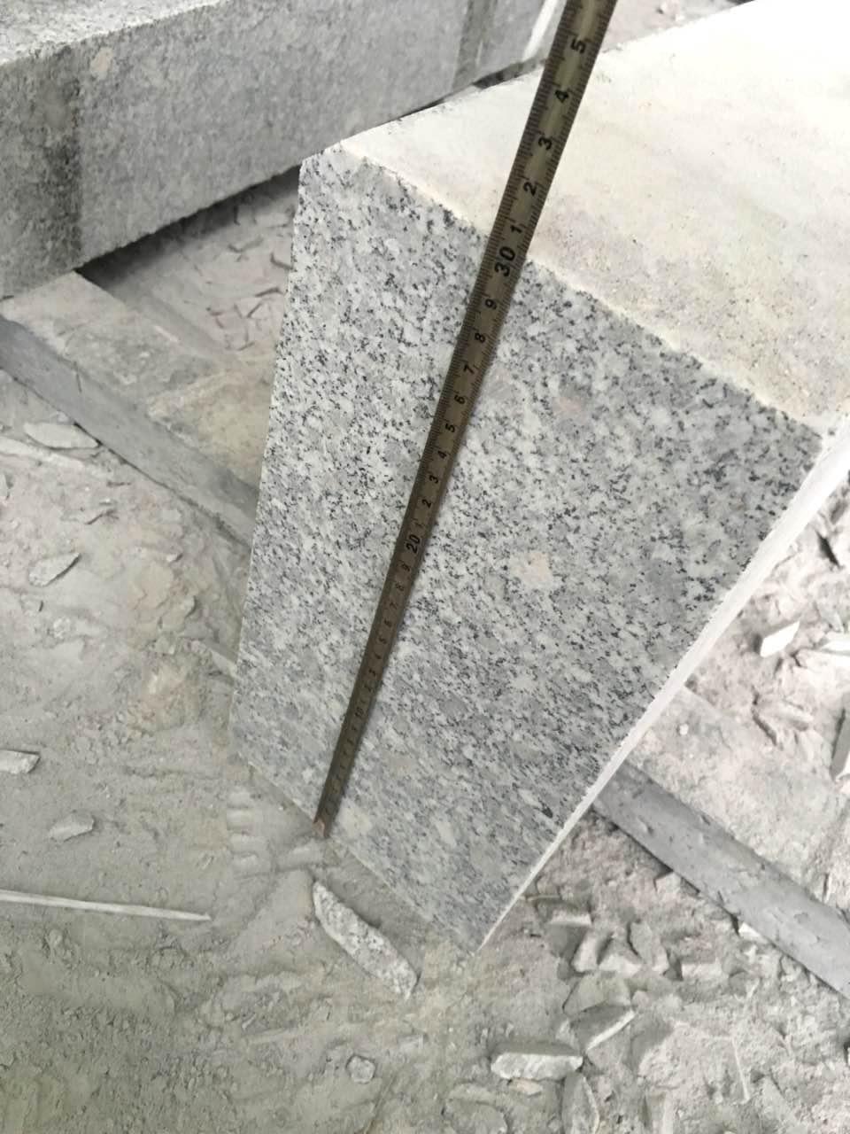 Серый бордюр из Китая. ГП-1. Гранит G603 Белла Вайт
