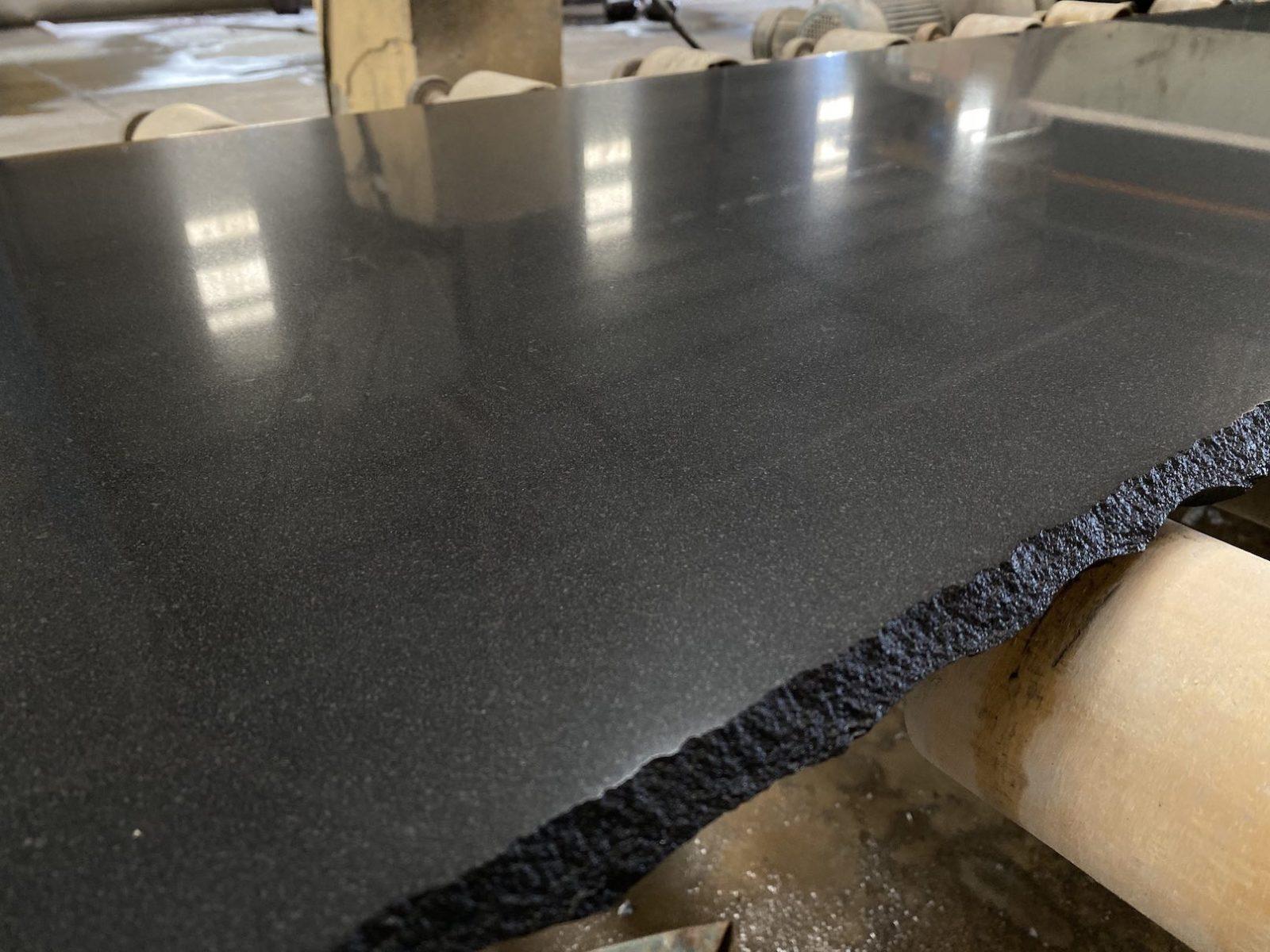 Черный базальт (V) фото 6052206a41ede
