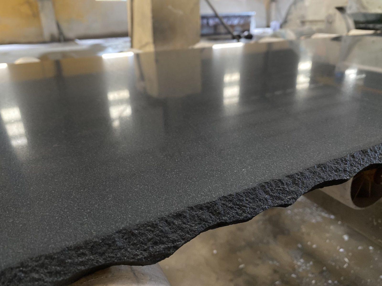 Черный базальт (V) фото 6052206a41a69